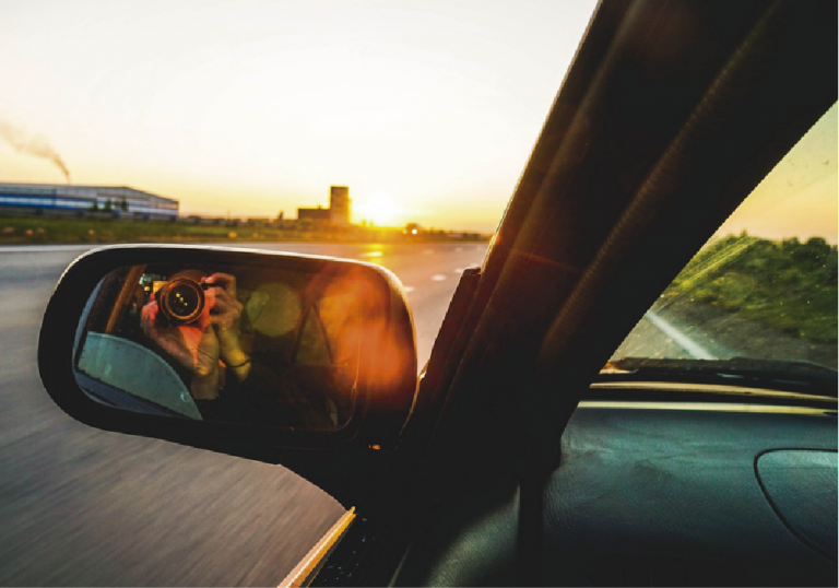Toyota testa carro com teto solar fotovoltaico