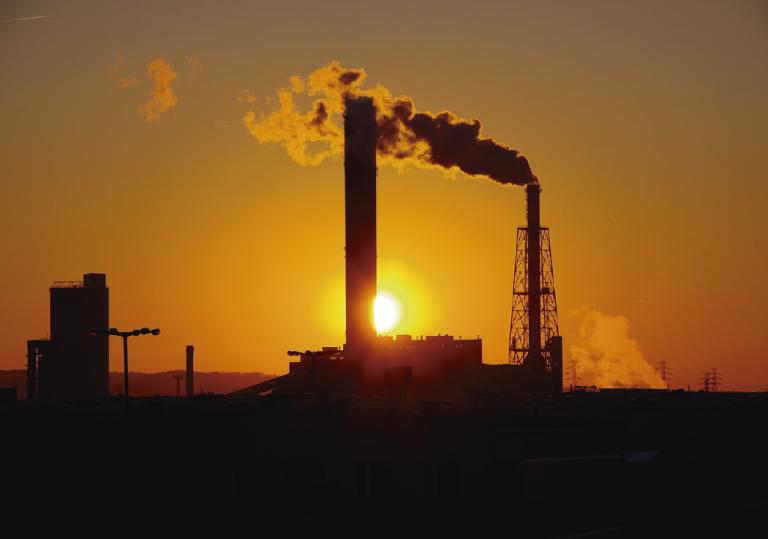 Como reduzir as emissões de carbono na indústria?